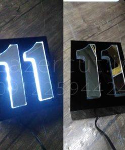 قیمت ساخت پلاک LED منزل پلکسی گلاس مشکی نورسفید شماره نقره ای